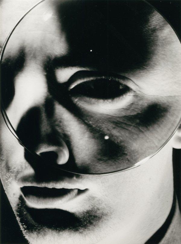 Nathan Lerner: Charlie's Eye, 1940 Bauhaus-Archiv Berlin © VG Bild-Kunst, Bonn 2017 Foto freundlicherweise vom Museum zur Verfügung gestellt