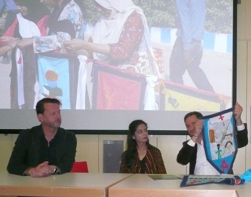 Museumsleiter Dr. Murr, Frau Khan, Künstlerin aus Pakistan, Initiator Miro Craemer Foto: U. Brenner