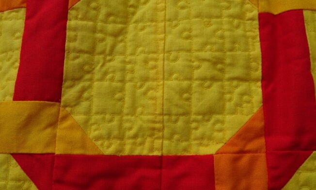 mit Puzzle-Muster gequiltet (BSR)