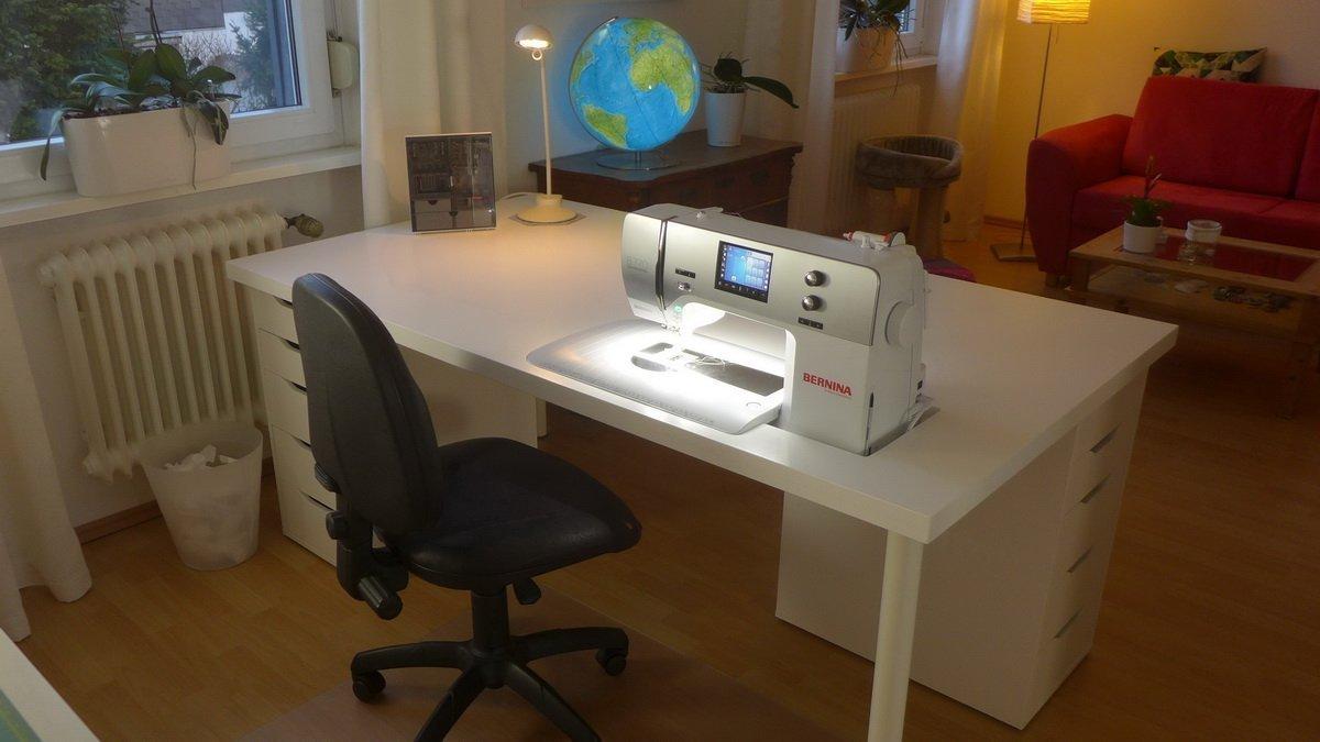 mein neuer n htisch teil 1 bernina blog. Black Bedroom Furniture Sets. Home Design Ideas