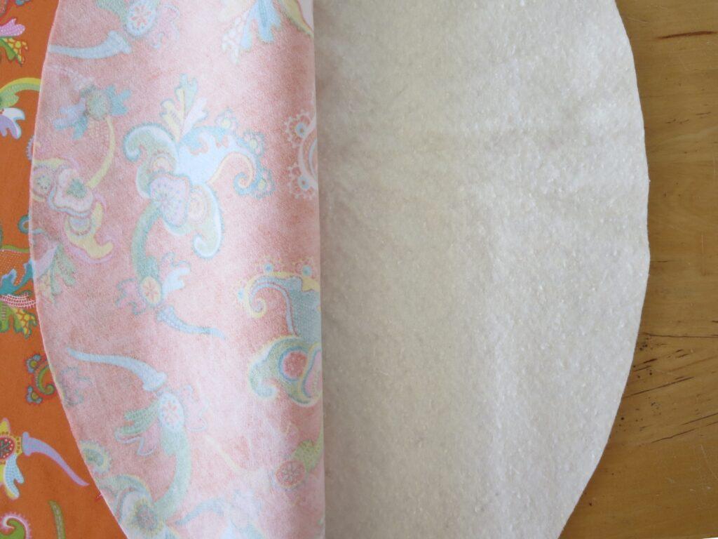 Deckel mit Volumenvlies hinterlegen