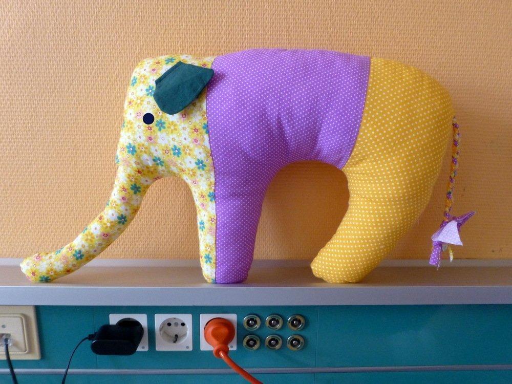 "Elefant als ""Nackenhörnchen"" » BERNINA Blog"