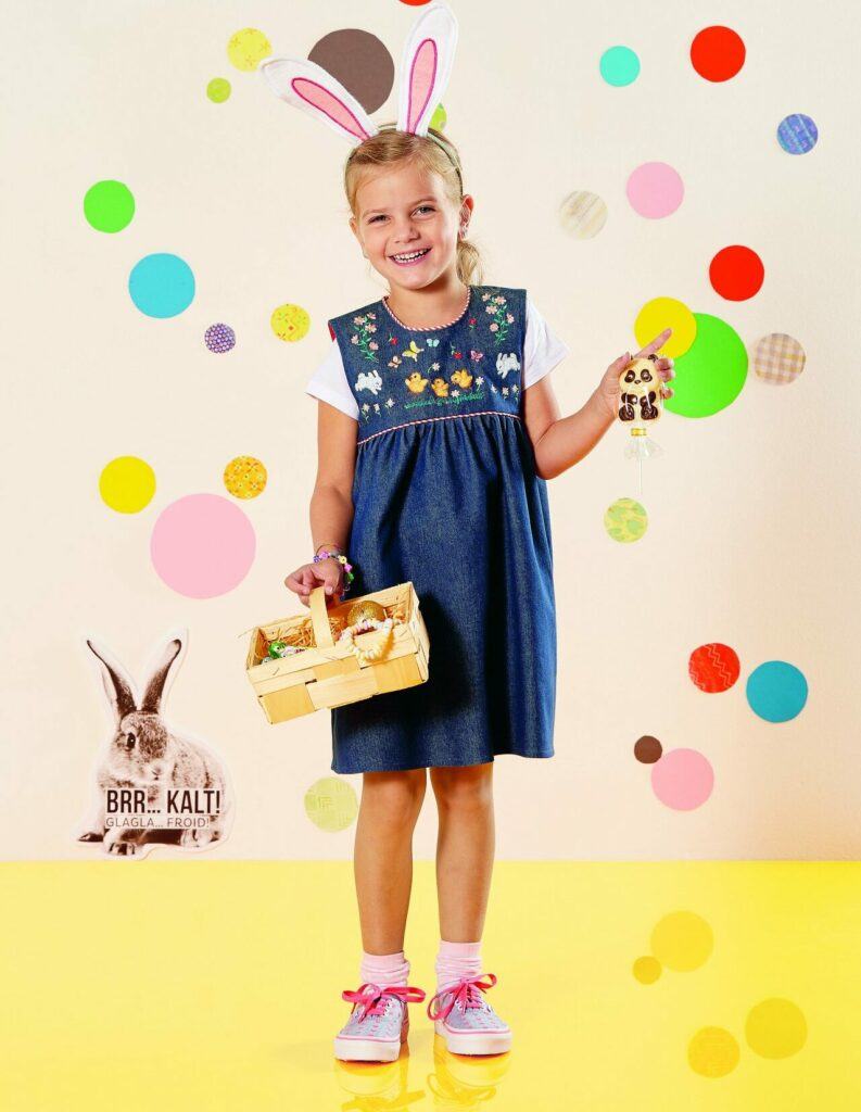 Besticktes Kinderkleid aus der inspiration