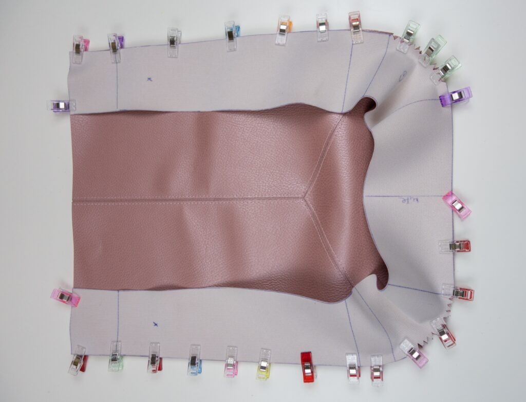 Taschenboden an Taschenhauptteil annähen