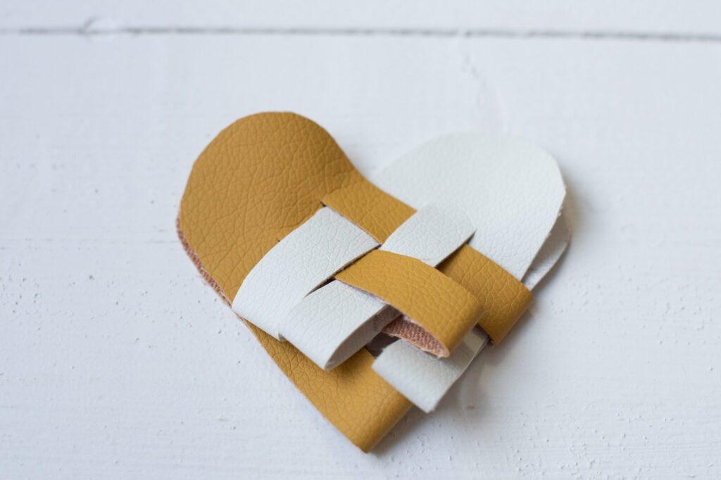 Doe-het-zelf-instructies voor een Scandinavisch hart uit 'Selbermachen macht glücklich' (zelf maken maakt gelukkig)