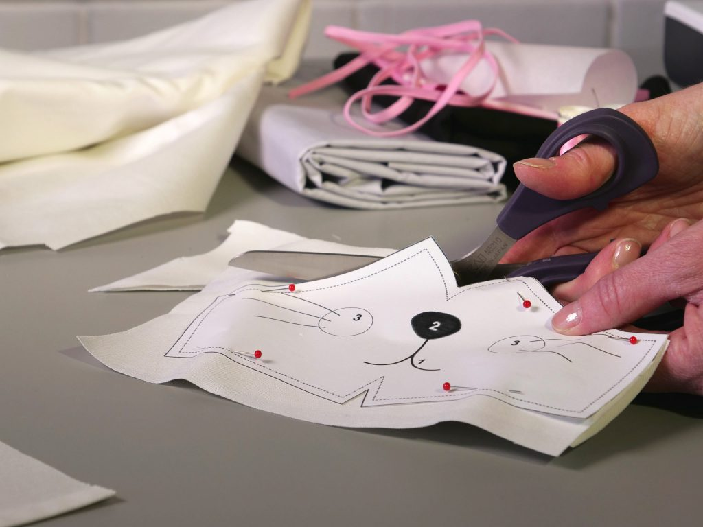 Maske nähen für Kinder - der Zuschnitt