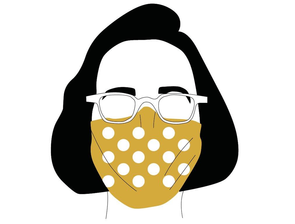 Fertige selbstgenähte Maske mit Gummikordel