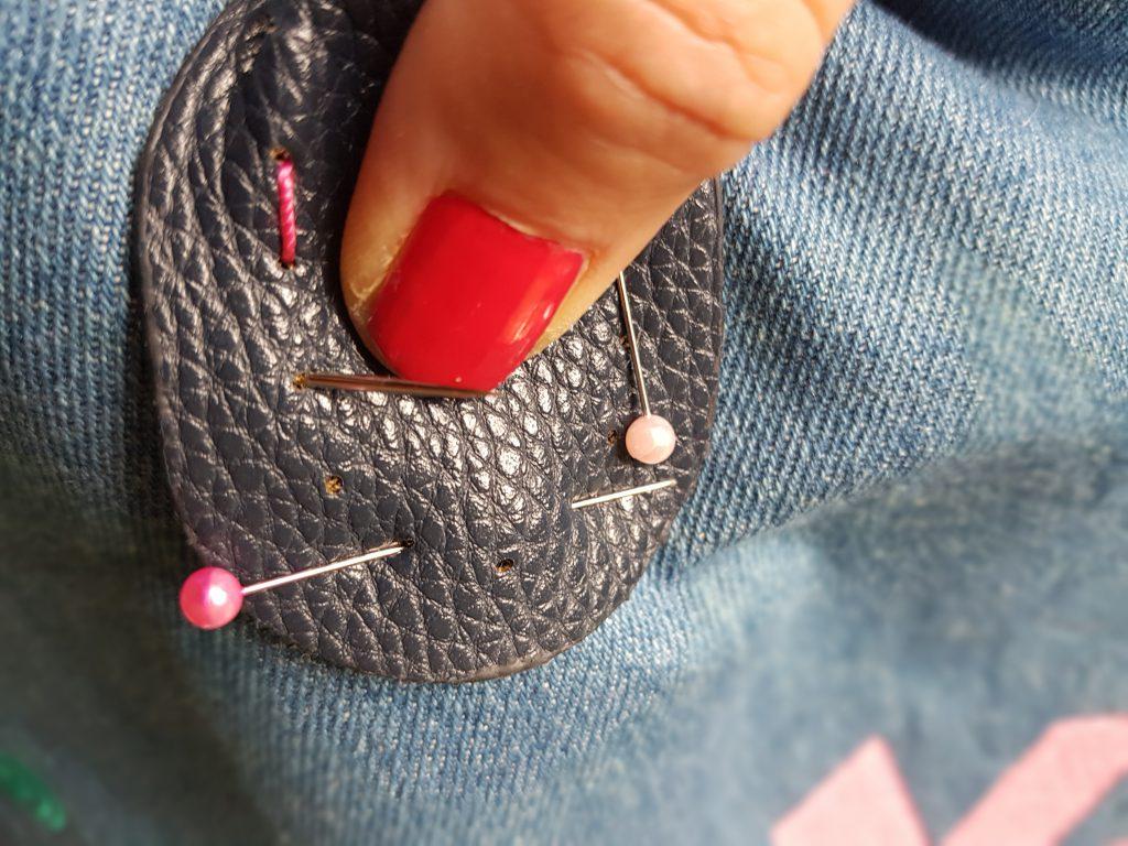 Taschenhenkel platzieren und festnähen