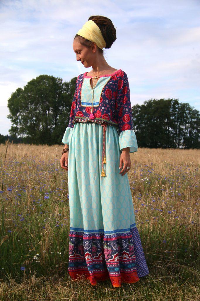 Bild zeigt das Kleid Boholicious mit gekräuselten Rockbahnen