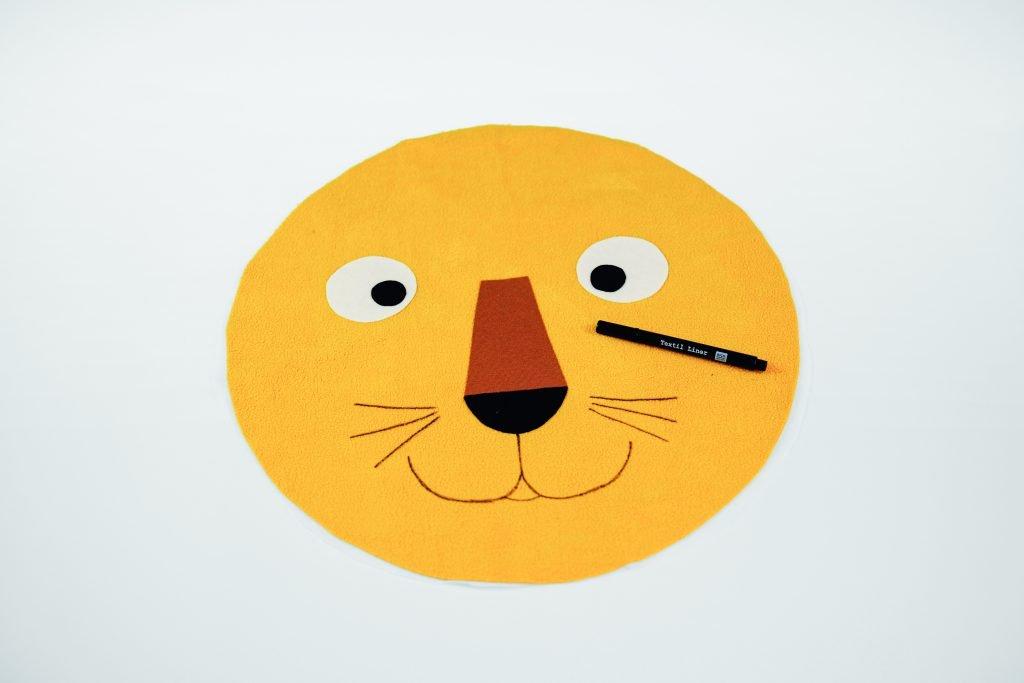 Löwenkissen nähen – das Gesicht