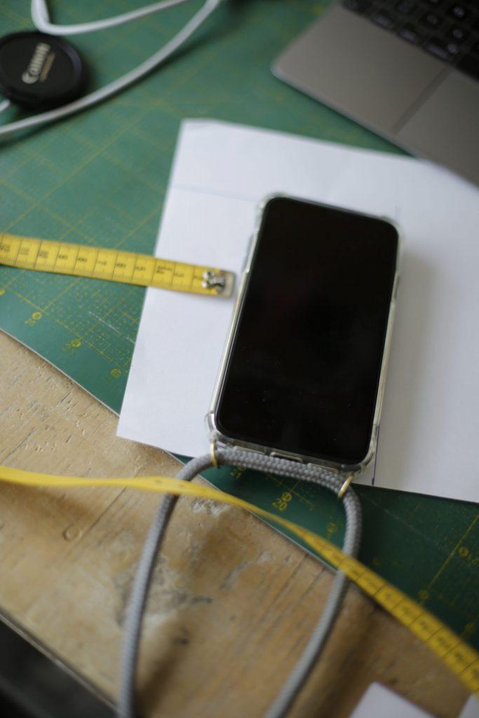 Schnittmuster für das Nähen einer Handyhülle