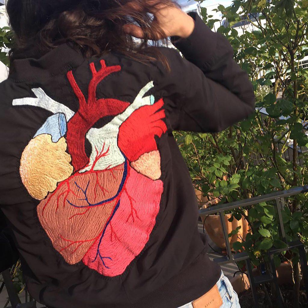 Herz auf Jacke