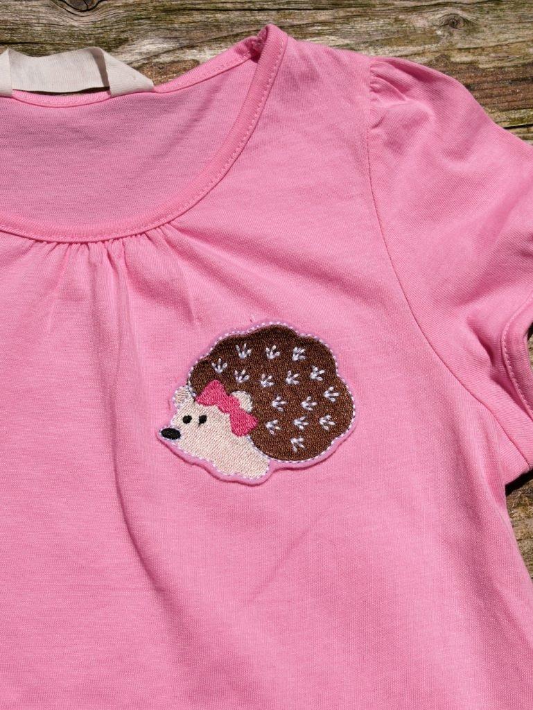 Kindershirt mit neuem Igel-Design