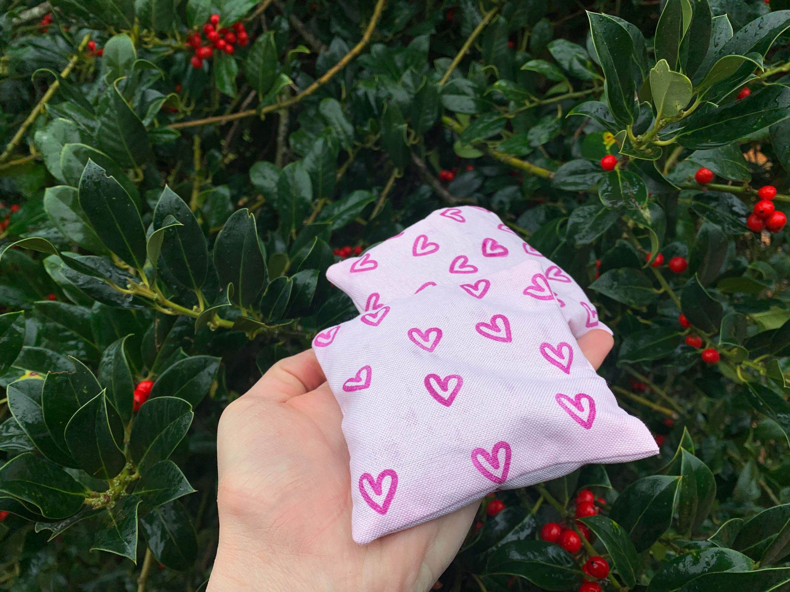 Sewing hand warmers - these hand warmers are quick to make and make a great gift!