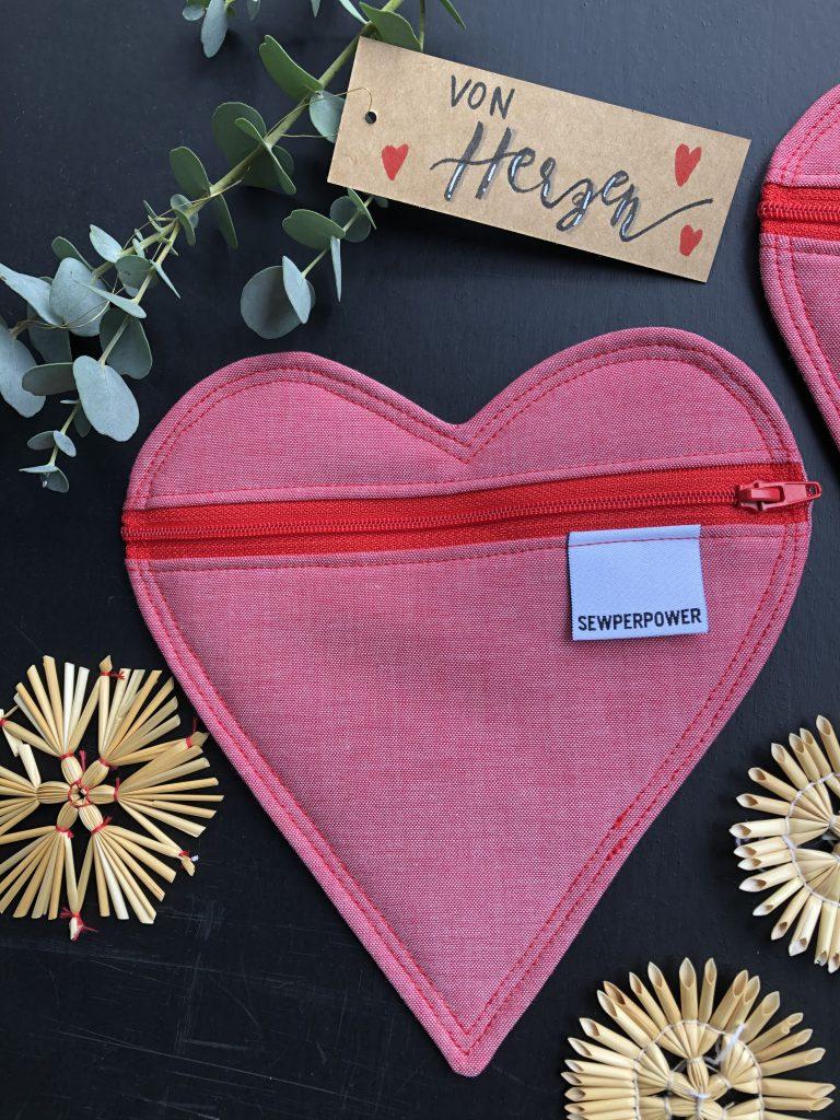 Täschchen nähen in Herzform – ideal für kleine Geschenke!