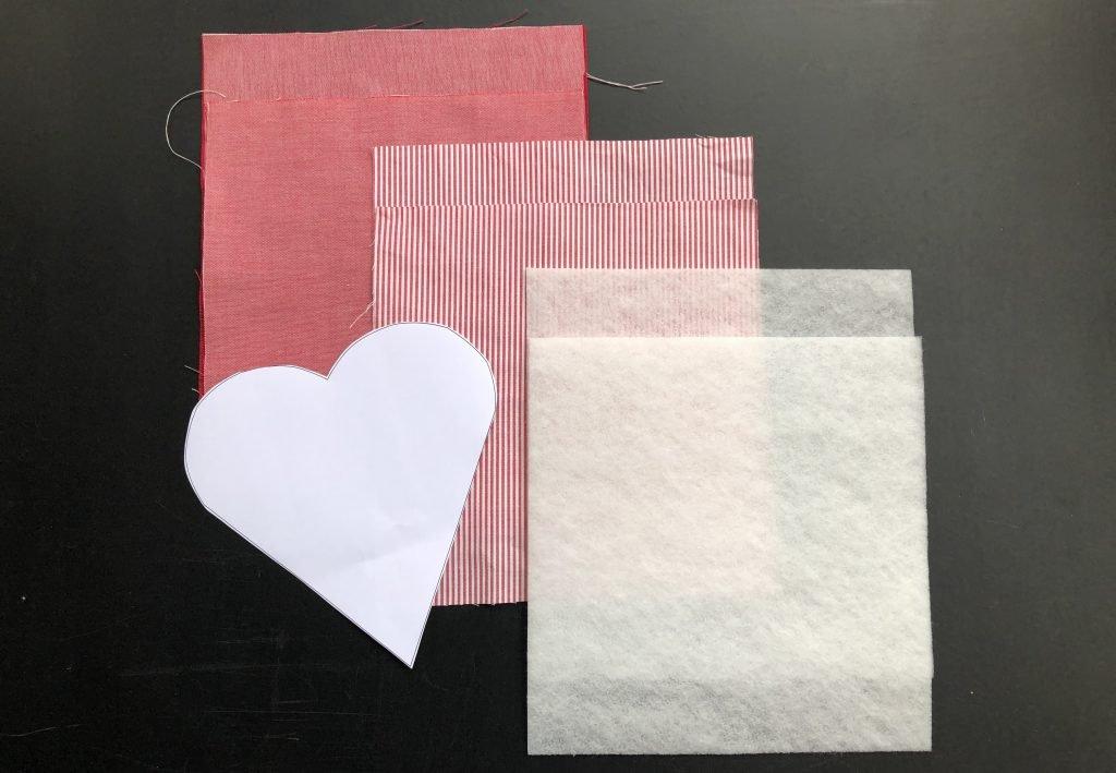 Täschchen in Herz-Form nähen - dieses Material braucht Ihr.