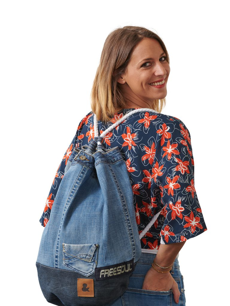 Sewing a upcycled jeans duffel bag