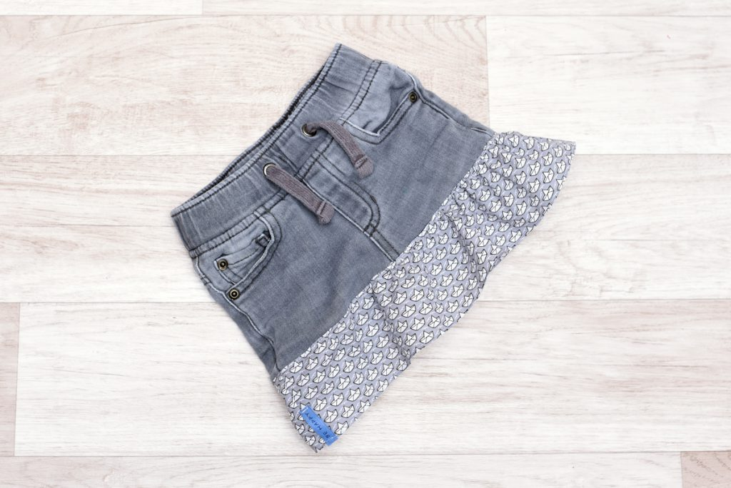 Einen Rock für Kinder nähen aus alten Jeans