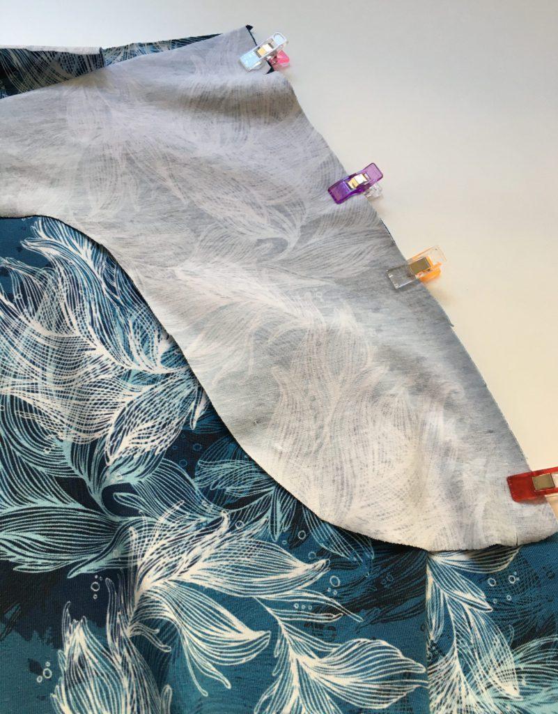 festgesteckter Taschenbeutel