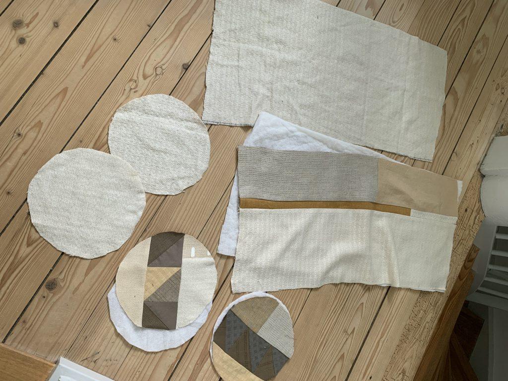 Stoff-Zuschnitte zum Patchwork-Tasche nähen