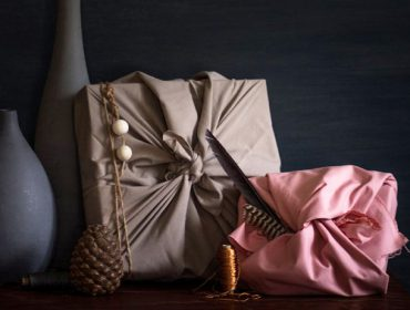 Wrapping your gifts in fabric: Easy Furoshiki instructions