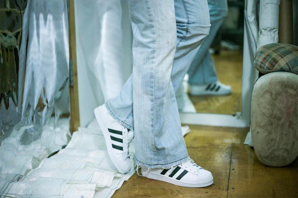 How-to-Hem-Jeans-1200-x-800-video-tutorial-WeAllSew-blog-300x200@2x