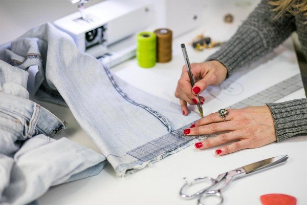 How-to-Hem-Jeans-WeAllSew-Blog-1200-x-800-300x200@2x