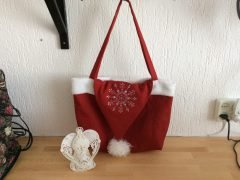 Sewing a Santa bag (easy bag tutorial)