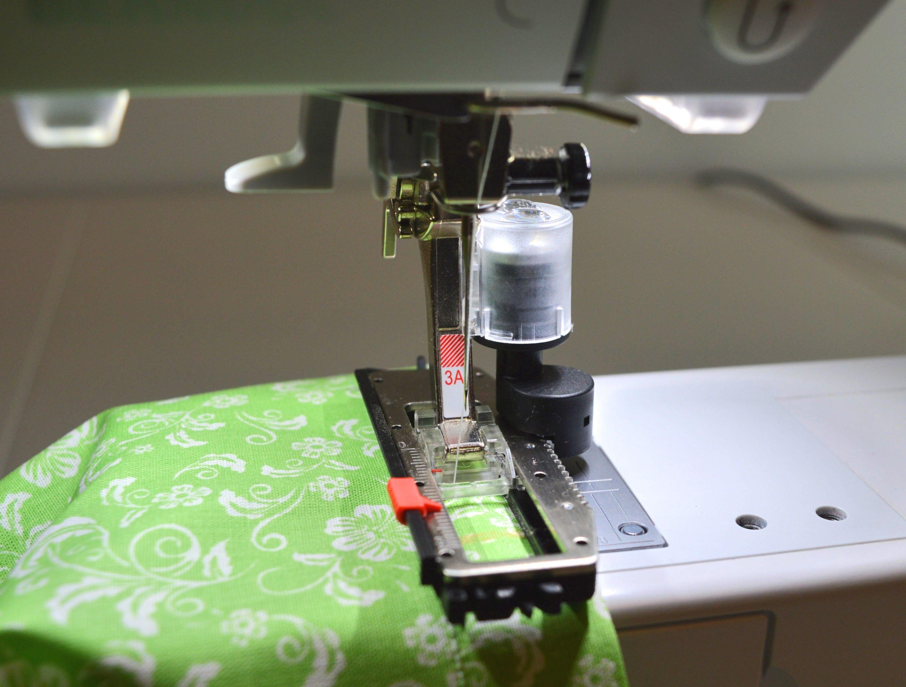 Sewing pillowcase