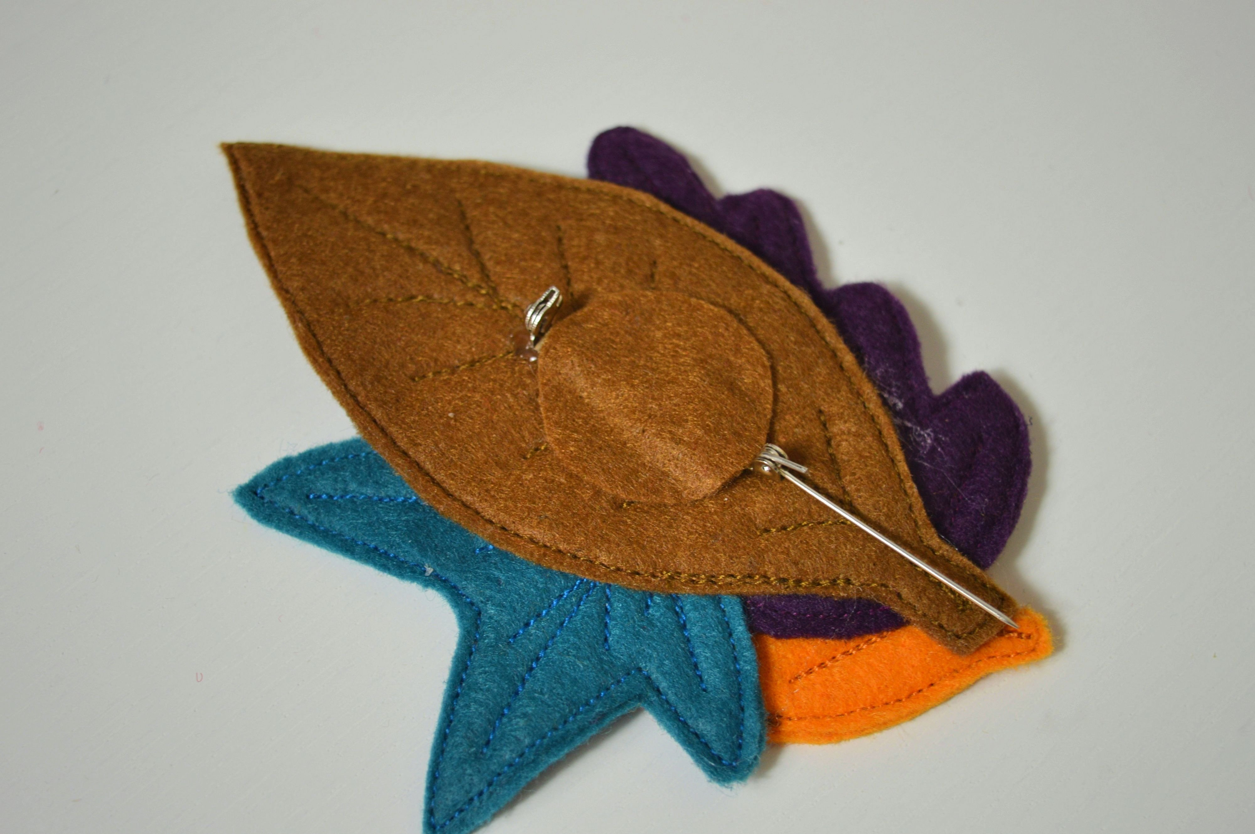 Fall leaves felt brooch