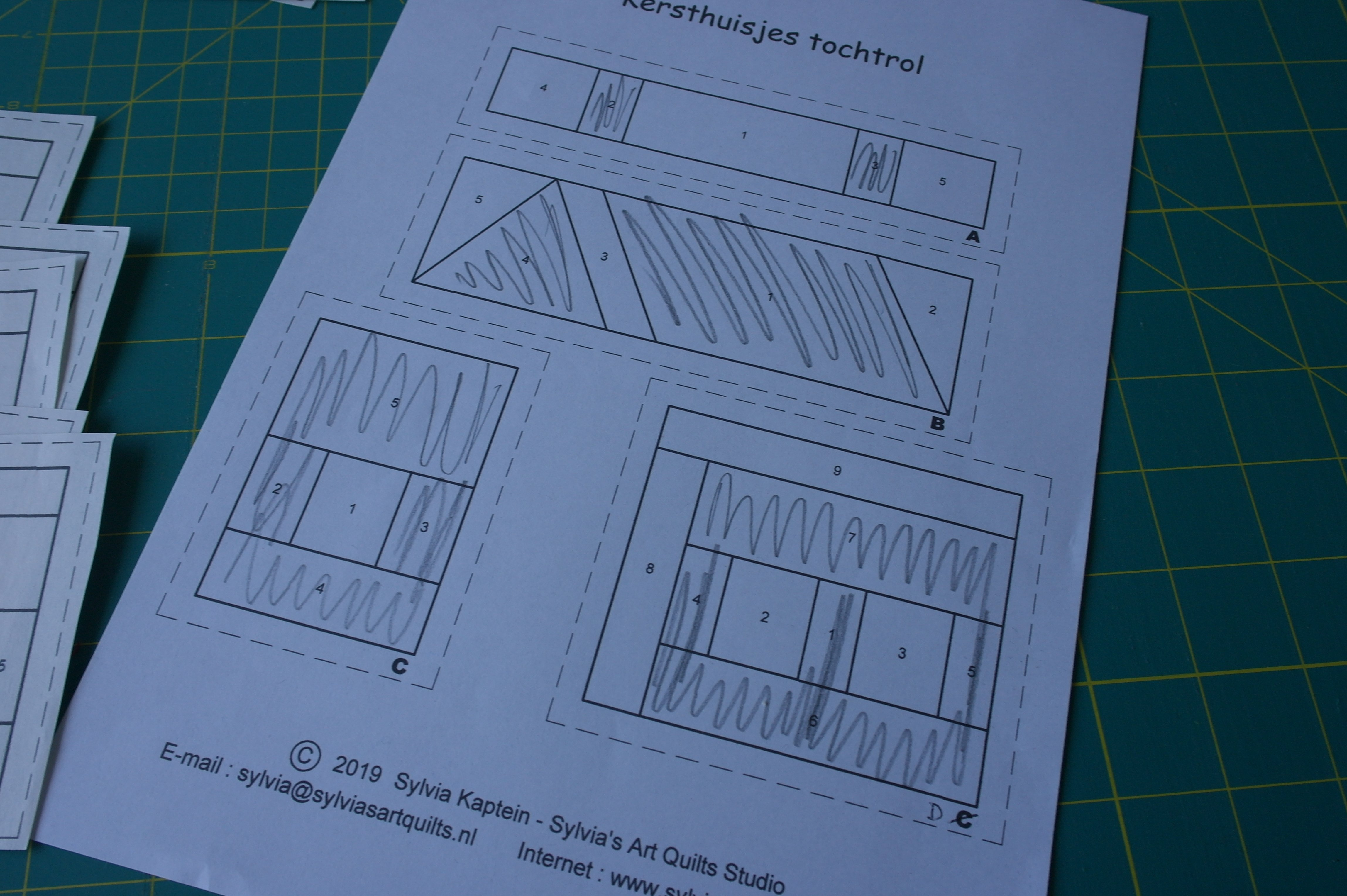 Sewing A Christmas Draft Roll With Free Paper Piecing Template Bernina Blog