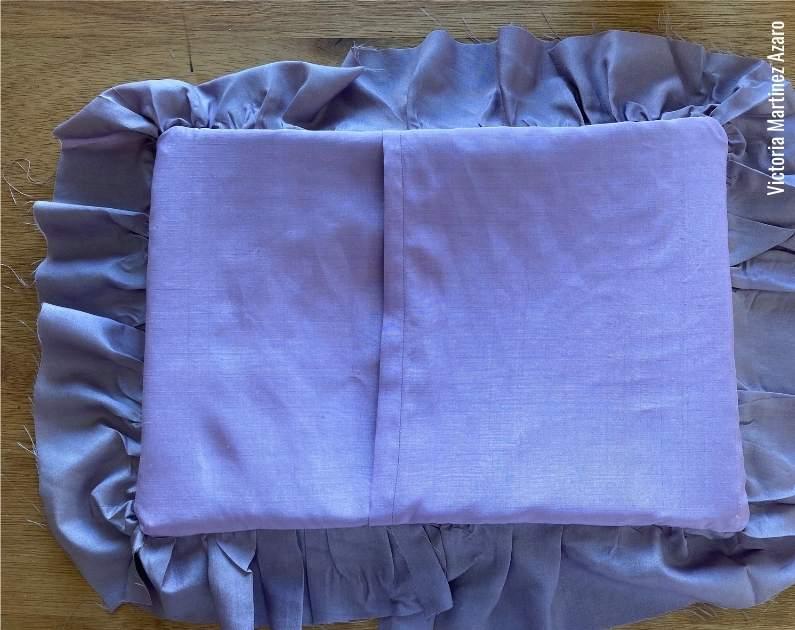 silk pillow cover tutorial 16