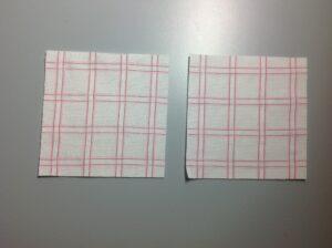 Twee lapjes van ca 10 x 10 cm