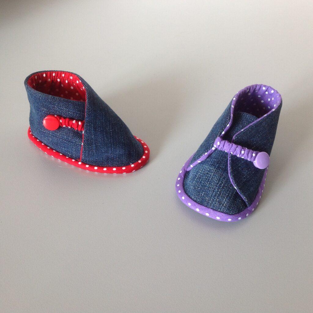 De schoentjes waar ik de elastieken bandjes voor gebruik