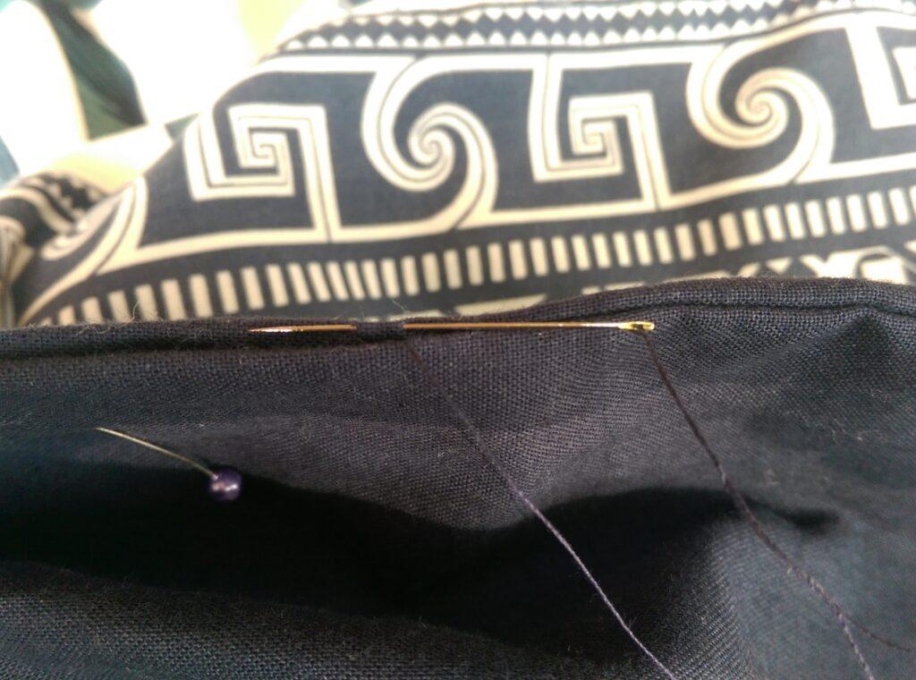 Hoe keer je een maxi-kleed door een mini-opening
