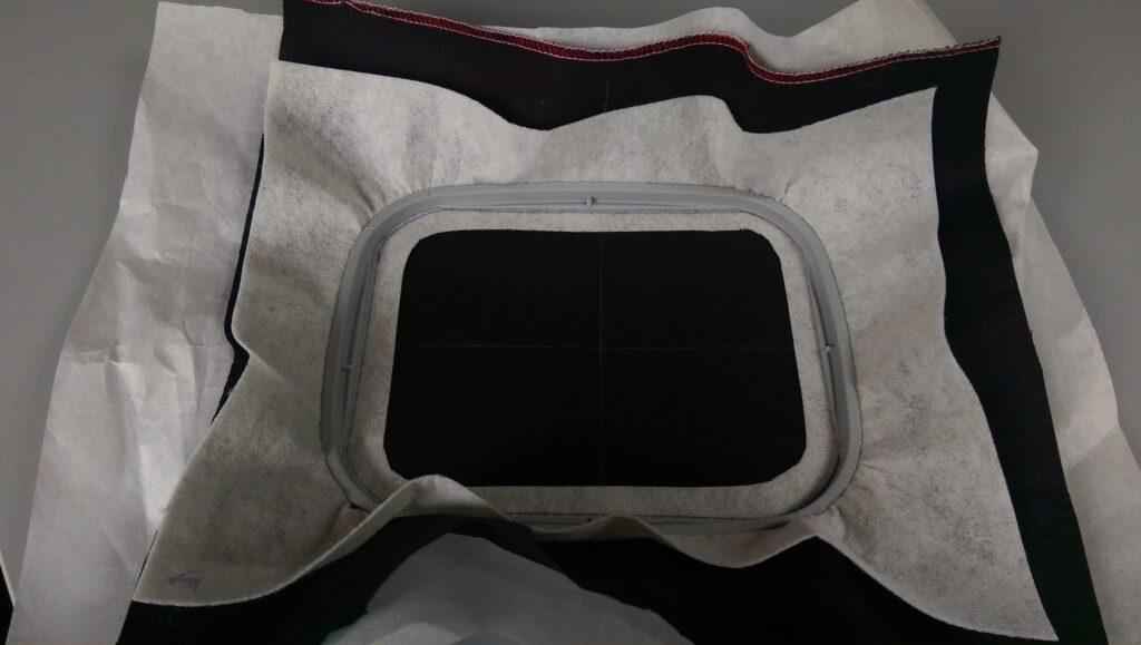 3 manieren om de stof mooi straks in het borduurraam te krijgen én te houden!