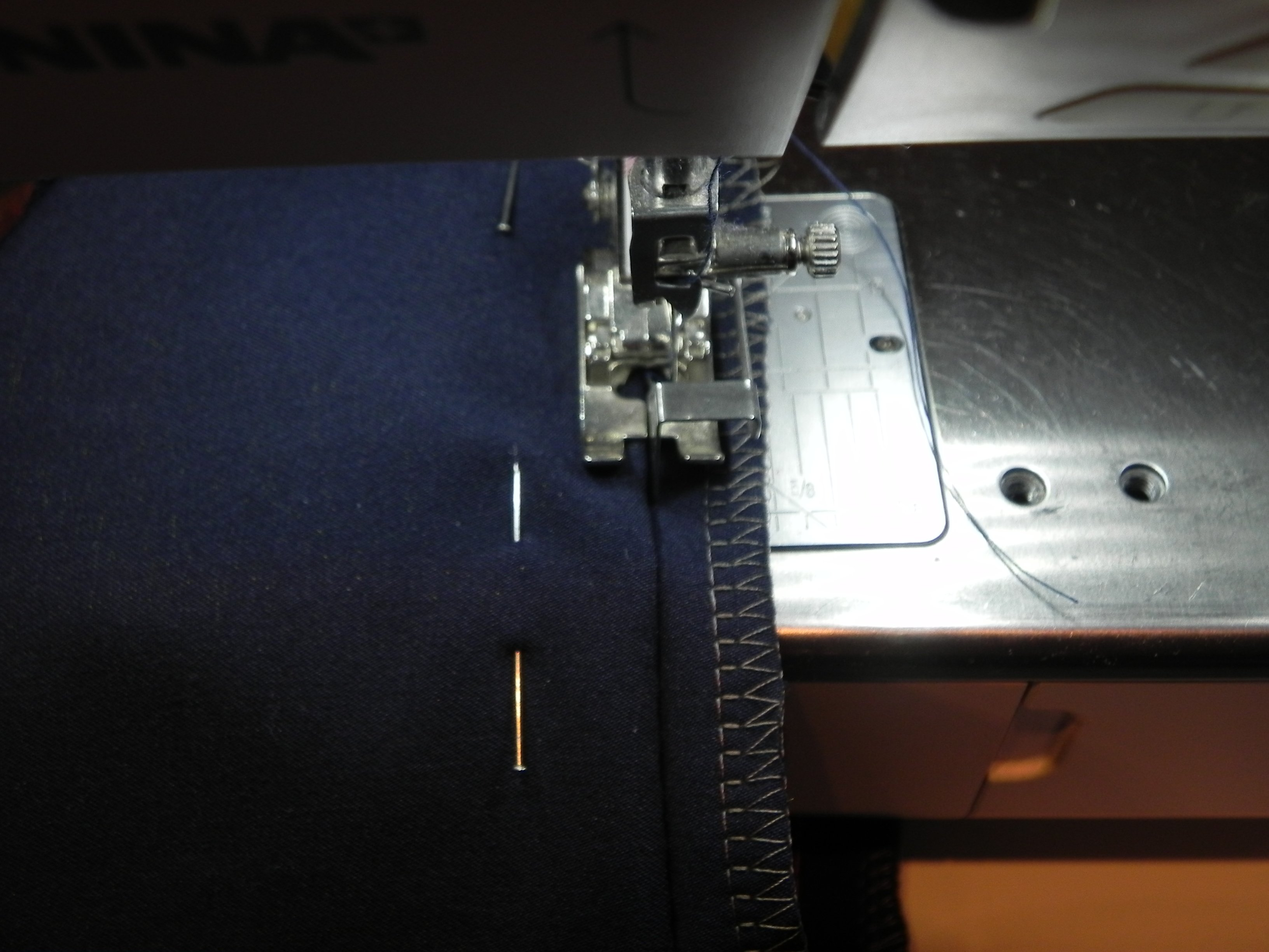 Super Een broek verkorten met een blinde zoom. » BERNINA Blog GC-81