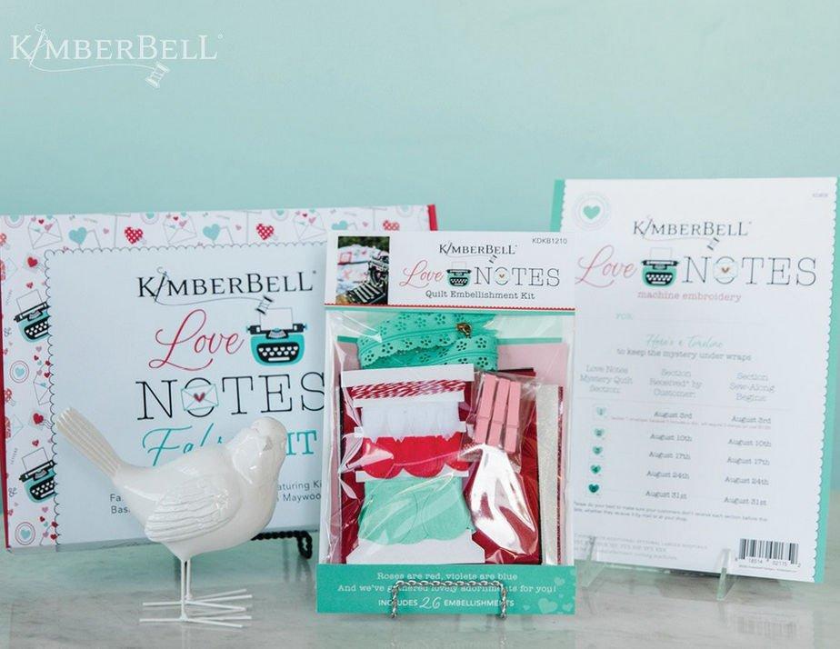 Een compleet pakket met stoffen, embellishments en beschrijvingen