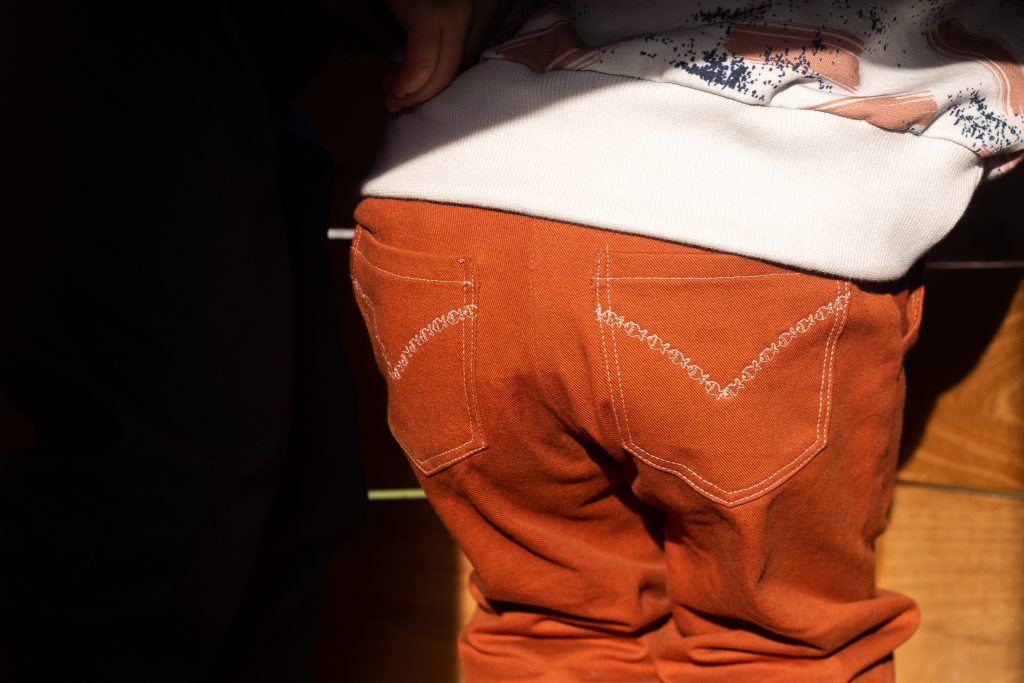 opgestikte zakken met sierstiksel