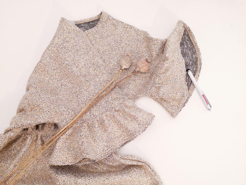 jurk met ruffles & elastiek in de taille