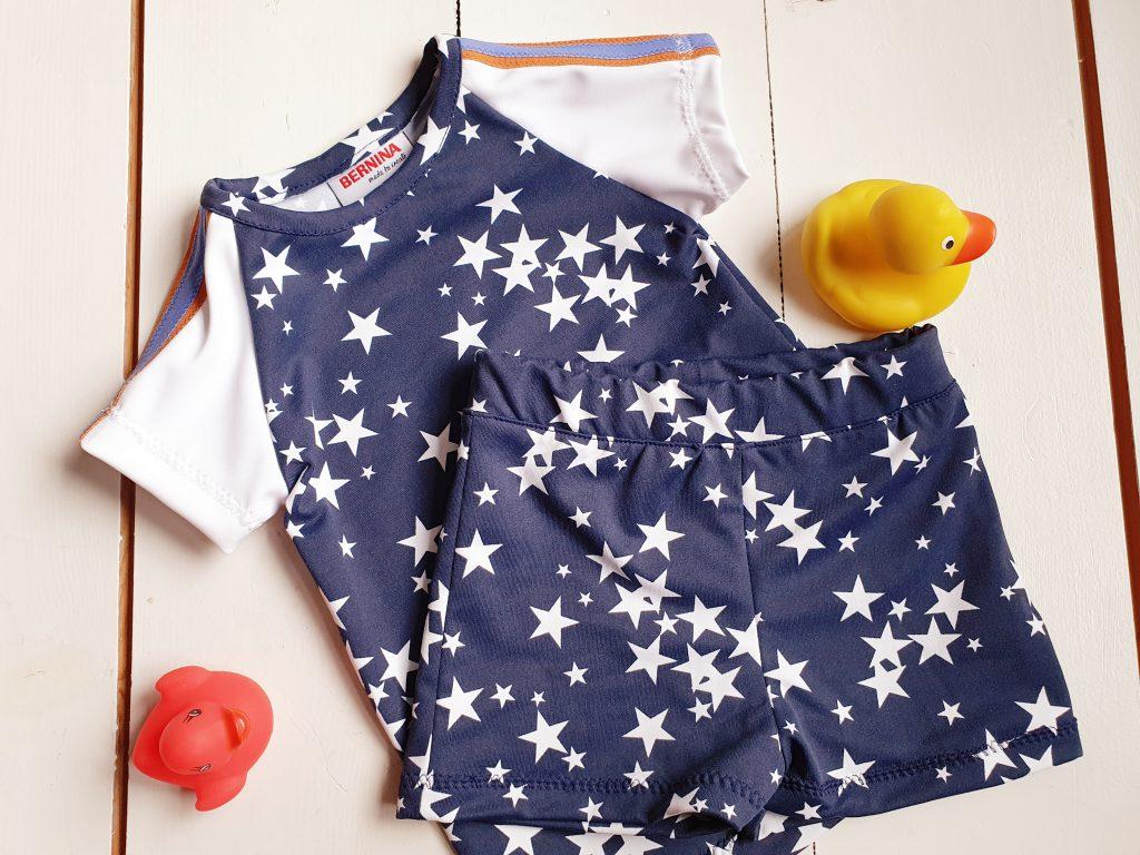 zwembroekje en t-shirt voor jongens