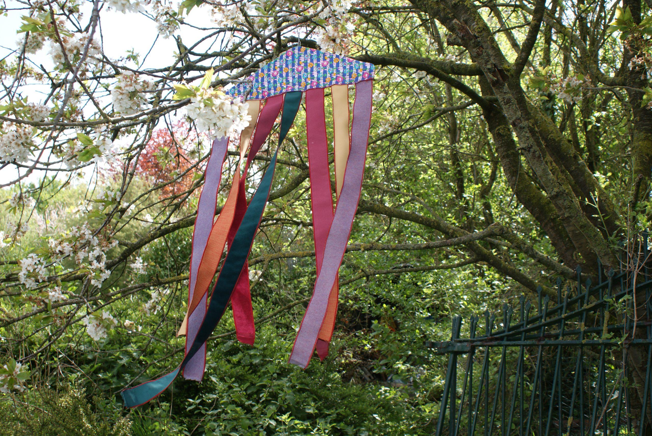 Linten naaien als tuindecoratie