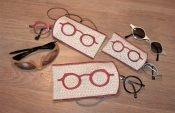 Maak een brillenkoker op de borduurmachine