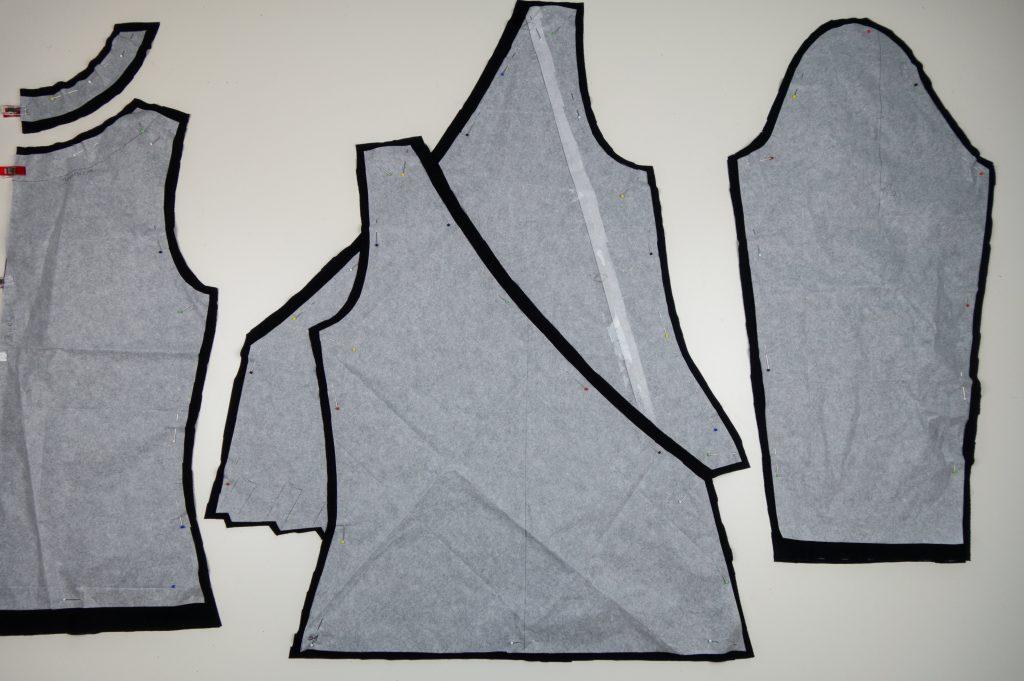 zugeschnittene Stoffteile Wickelshirt
