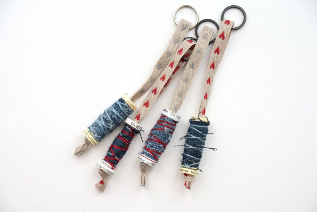 Upcycling-Nähprojekt: Schlüsselanhänger aus leeren Garnrollen