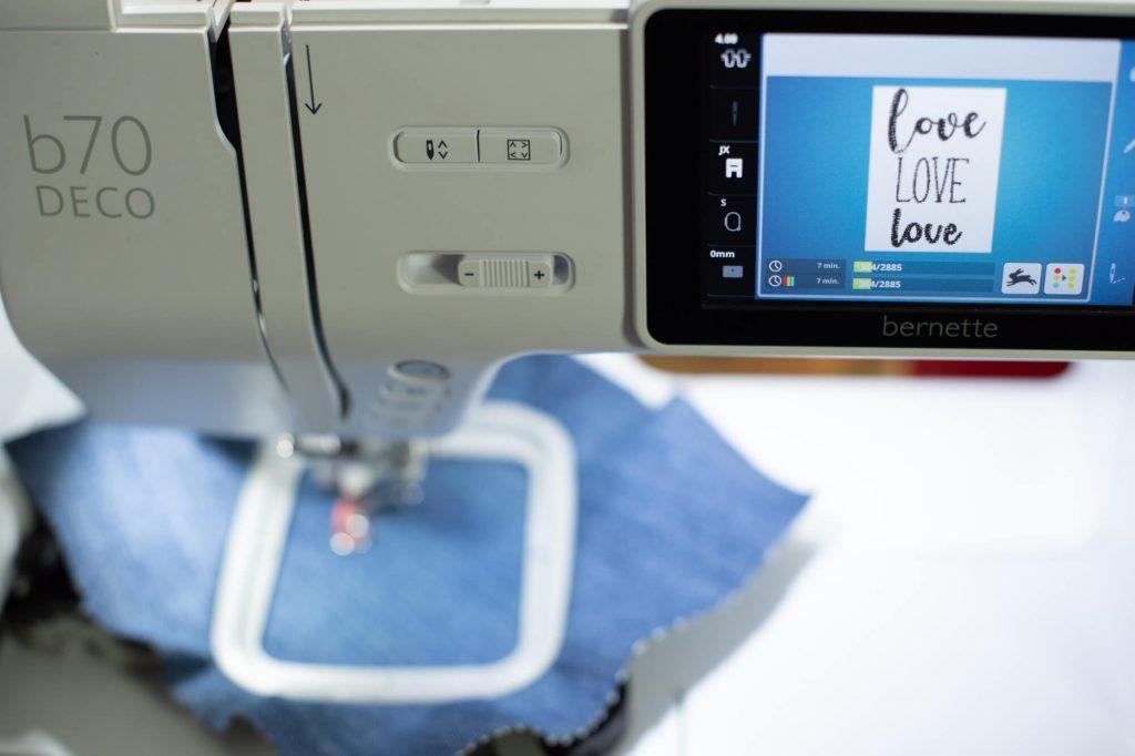 Stickdatei von der BERNINA Tool Box zum Besticken eines Taschenwärmer an der bernette 70 DECO