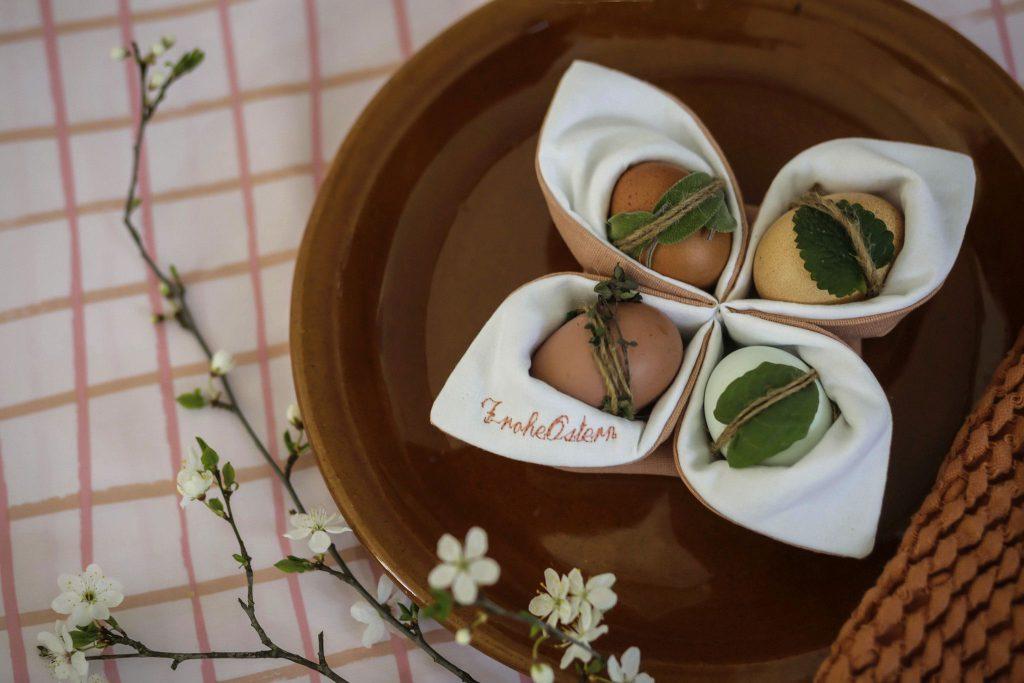 Eierkörbchen mit Stickerei als persönliches Geschenk zu Ostern nähen