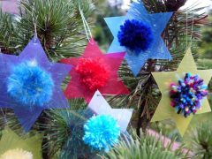 Making star-shaped Christmas pendants (with free pattern)