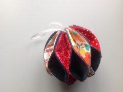 Making a fabric Christmas tree ball