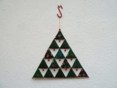 Sewing a Christmas tee decoration